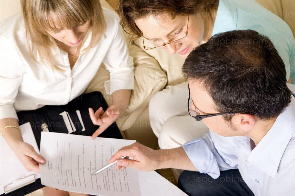 Profiter de la baisse du taux de crédit immobilier pour renégocier son prêt